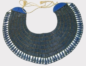 Reconstruct faience broad collar (Photo Metropolitan Museum of Art)