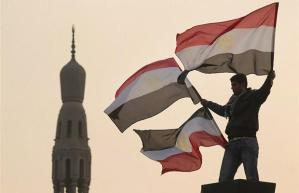 Egypt invites TV celebrities, artists to Tahrir Square to bring back tourists !